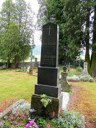 Hrob v Horním Dvořišti