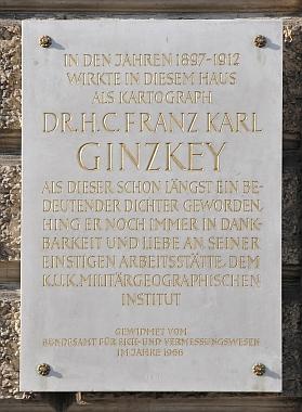 Pamětní deska na budově Institutu vojenské geografie ve Vidni