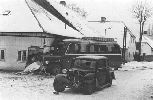 Nehoda autobusu s autem MUDr. Goldbacha