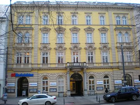 Budova redakce deníku Oberösterreichische Nachrichten na linecké Promenádě,     kde list Linzer Tagespost, předchůdce OÖN, sídlil od roku 1885