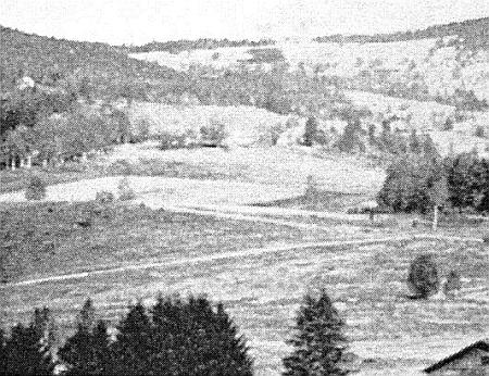 Vzácný snímek zachycuje zničení Samot pomocí výbušnin dne 2. října roku 1958