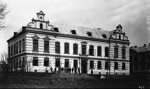 Hornoplánská škola, kde se ženou učil, na snímku Josefa Seidela...