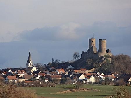 Zemřela v hesenském městě Münzenberg, nad nímž se tyčí hrad téhož jména