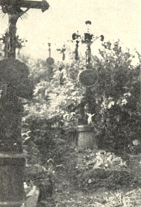 ... a jeho hrob v Děpolticích