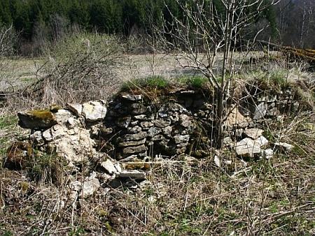 Dva záběry ze zaniklé Huti pod Boubínem