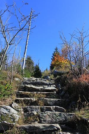 Žulové schody na Luzný
