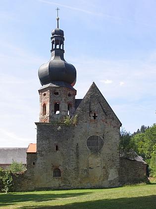 ... a dnes (kostel Zvěstování Panny Marie na snímku z roku 2015)