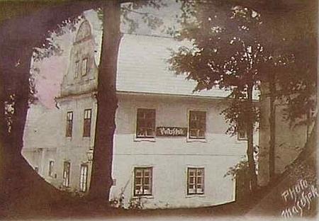 """""""Volksschule"""" v Horní Stropnici na snímku z roku 1927"""