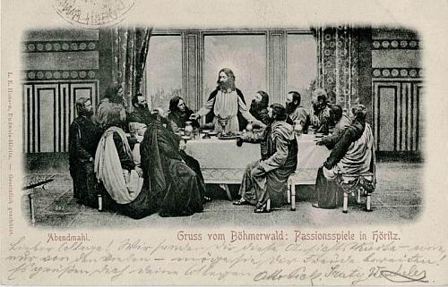 Českobudějovický knihkupec a vydavatel L. E. Hansen vydal již na konci 19. století sérii pohlednic s tématikou hořických pašijových her
