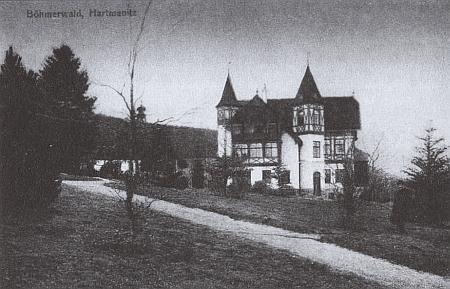 Jiná stará pohlednice Karlova u Hartmanic