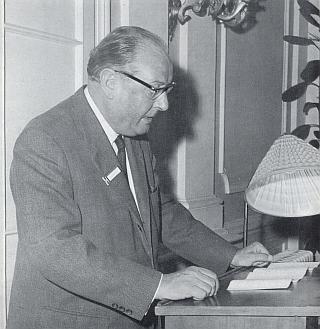 Zahajuje tu v roce 1968 mezinárodní symposium o Adalbertu Stifterovi v Bad Hall