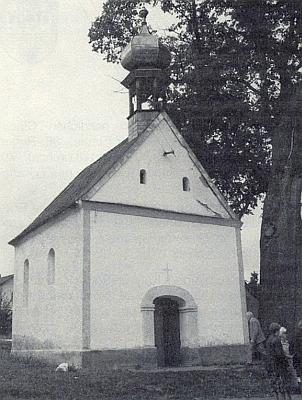 Mešní kaple v domovském Chudeníně byla v roce 1990 renovována