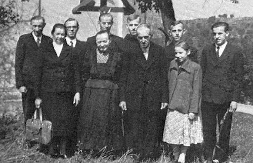 Rodina Gruberova se sešla 29. srpna roku 1953 u příležitosti jeho řeholních slibů ve Weggentalu
