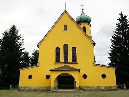 Farní kostel sv. Jana Nepomuckého ve Větřní