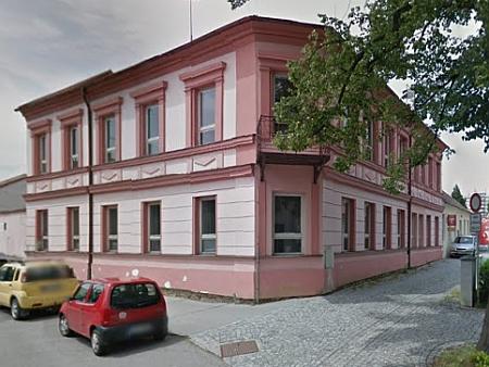 Dům čp. 334 v kaplické Linecké ulici na snímku z roku 2011