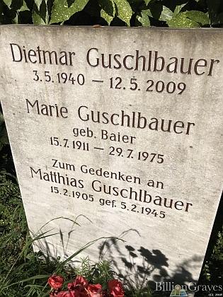 Tento hrob Marie Guschlbauerové na horském hřbitově v Heidelbergu má zřejmě uchovat i jeho památku - vedle Marie Guschlbauerové, roz. Baierové (*15. července 1911 - † 29. července 1975) je tu v Heidelbergu pochován i Matthiasův a její syn Dietmar Guschlbauer (*3. května 1940 - † 12. května 2009)