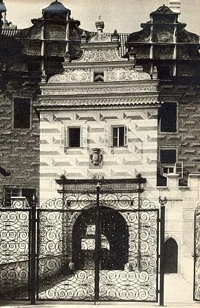 Brána zámku v Horšovském Týně