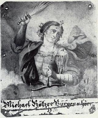 """Plechový štít kostelní lavice v Neukirchen beim Heiligen Blut označoval místo, kde sedával Klařin otec Michael Rötzer, """"zdejší měšťan od roku 1876"""""""