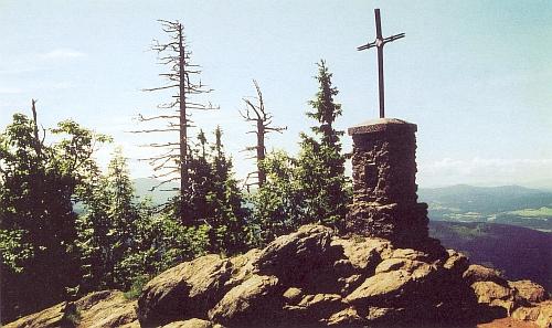Blízko Lindbergu se zvedá vrchol hory Velký Falkenstein
