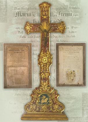 Pro kapli v Debrníku i pro kostel v Železné Rudě, kde byli tradičně pochováváni příslušníci rodiny Hafenbrädelů, nechala Marie Elisabetha zhotovit kolem roku 1790 kříže zdobené vyzlacovanou rytinou podloženou červeným a zeleným lakem