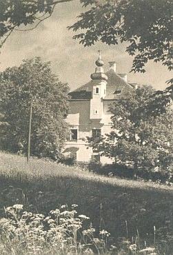 Zaniklý zámek v Debrníku na staré pohlednici...