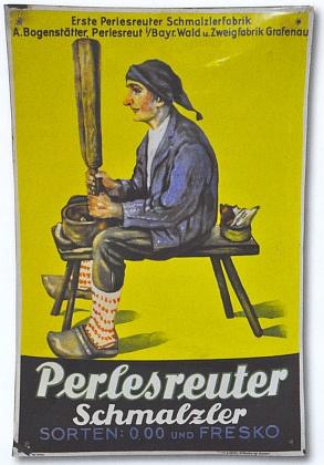 Plechová tabule s reklamou na šňupací tabák z Perlesreutu, kde Hafnerovi po válce znovu začínali