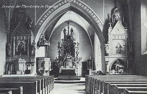 Interiér kostela sv. Šimona a Judy v rodném Rožmitále na Šumavě po renovaci v letech 1908-1910 ještě před zavedením elektrického proudu a instalací železného zábradlí před stupni oltáře, k němuž došlo roku 1922