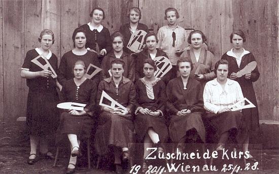 Kurz krejčových ve Štiptoni v lednu roku 1928