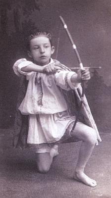 Na snímku z doby kolem roku 1927, kdy mu bylo 10let