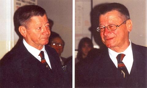Na dvou snímcích za návštěvy v Prachaticích 12. září 1998