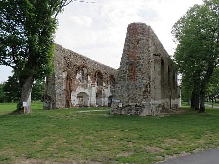 ... a to, co z kostela v Pohoří zůstalo dnes (2013)