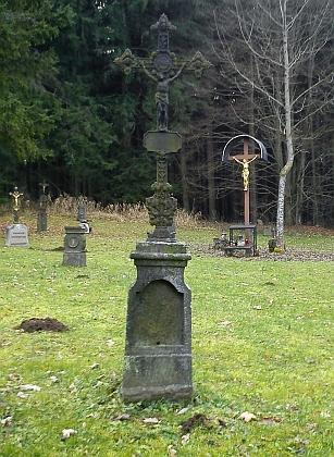 Křišťanovský hřbitov na snímcích z roku 2012 (viz i  Johanna Anderkaová a Rudolf Holzer)