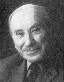 Jeho otec Karl Halletz starší, syn skláře z Arnoštova, zemřel včervenci 1991 ve Waging am See     - v Křišťanově si se svou ženou Marií postavili roku 1936 dům čp. 43, kde se narodily ijejich děti