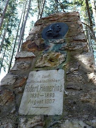 Hamerlingův památník u Karlstiftu