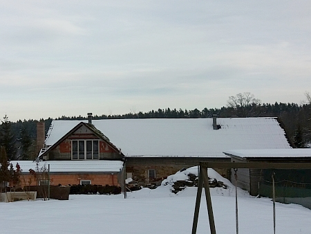 Částečně přebudované stavení čp. 3 v Suchdole na snímku ze zimy 2019