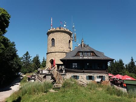"""Nápis """"J. Stepan"""" na kamenném soklu chaty na Kleti, kterou postavil roku 1925 podle projektu Ing. Karla Frenzela, vrchního schwarzenberského stavebního správce"""