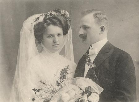 Svatební foto Johanna Stepana a Clary, roz. Taschekové, z února 1910