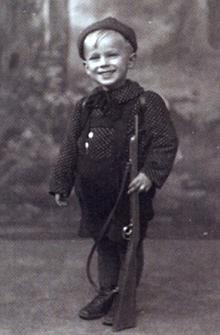 Na snímku z fotoateliéru Seidel asi z roku 1943