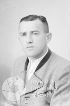 """Na Seidelově snímku, pořízeném 3. června 1942 v """"Krummau an der Moldau"""""""