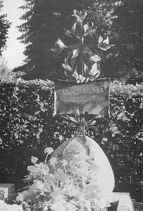 Hrob ve Freyungu podle návrhu sochaře Leopolda Hafnera