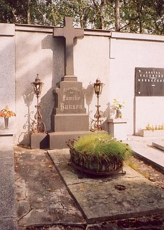 Hrob rodiny Hansenovy na českobudějovickém hřbitově u sv. Otýlie