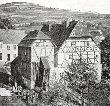 Stará radnice v Jáchymově, místě jeho skonu, na snímku z dvacátých let 20. století