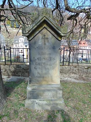 Náhrobek na jáchymovském hřbitově