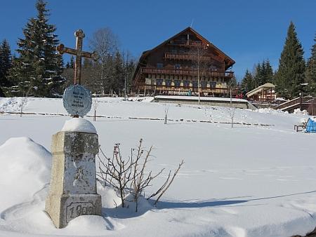 Hotel Alpská vyhlídka na Bučině, dříve hotel Pešl, jediná připomínka původní Bučiny