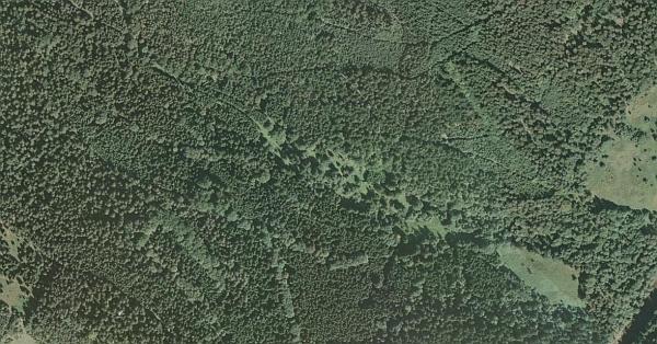 Zaniklá osada Bystrá (Wunderbach, Wunderbach Häuser, Vunderbašské Domky) na Pěkném potoce, jak zachycují její někdejší polohu letecké snímky z let 1949, 1950 a 2008