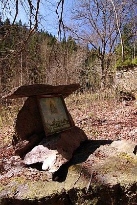 Ruina stavení čp. 4 (Hofman) v údolí Pěkného potoka