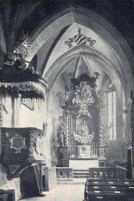 Někdejší interiér kostela v Cetvinách s buquoyským znakem na klenbě