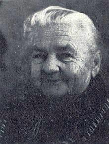 Maminka v roce 1982, kdy jí bylo rovných 80 let