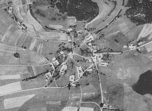 Rodné Desky na leteckých snímcích z let 1952 a 2008