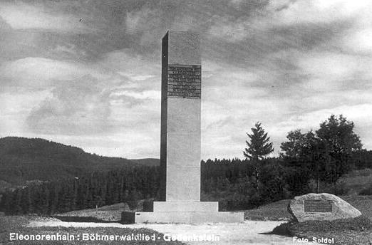 Památník nad Lenorou, pohlednice J. Seidela (viz i Burghard Lang)...
